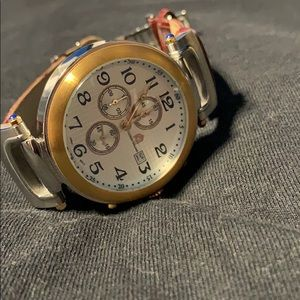Used Watch needs new battery like New condition